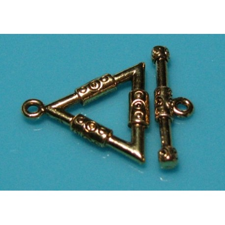 22 x 21 mm Antiqued Gold Plated Pewter Triangle Toggle Clasp