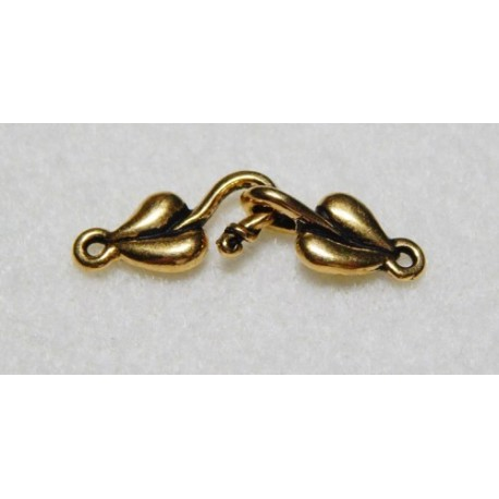 28 mm Antiqued Gold Puffy Heart Hook and Eye Clasp