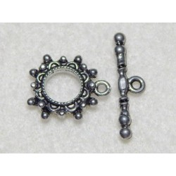 13 mm Studded Round Antiqued Pewter Toggle Clasp